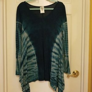Blue and green tie dyed sleeve top